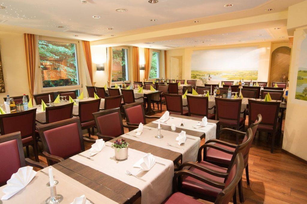 Der Essensraum bietet reichlich Platz und angenehme Stühle