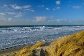 Die Spaziergänge zum Strand lohnen sich allemal, um die Ruhe am Meer und den Ausblick zu genießen