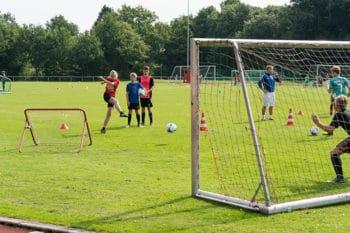 Schöner Rasenplatz beim Fussball Trainingslager Ammerland