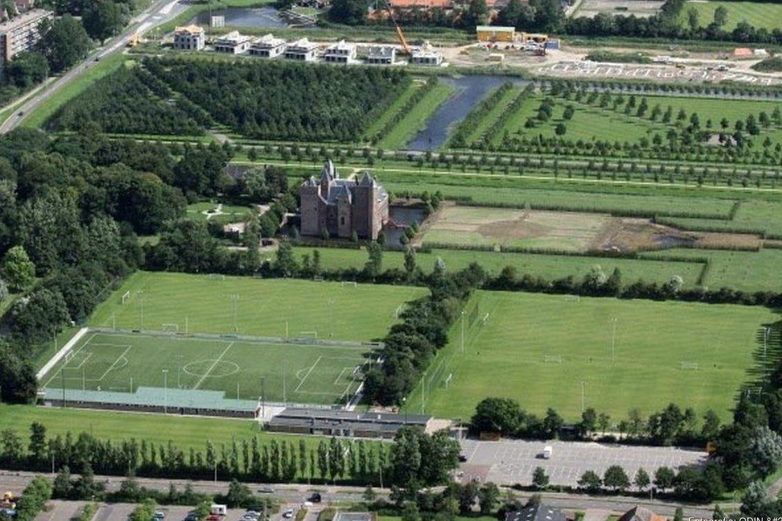 Trainingslager in Holland auf schönen Rasen- und Kunstrasenplätze in der Nähe von Amsterdam