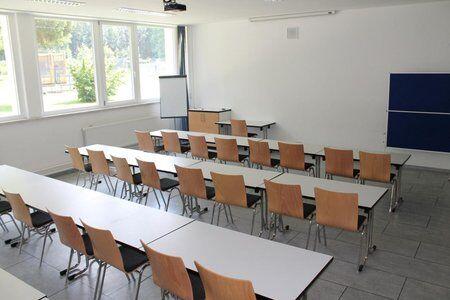 Seminarraum des Trainingslager an den Alpen