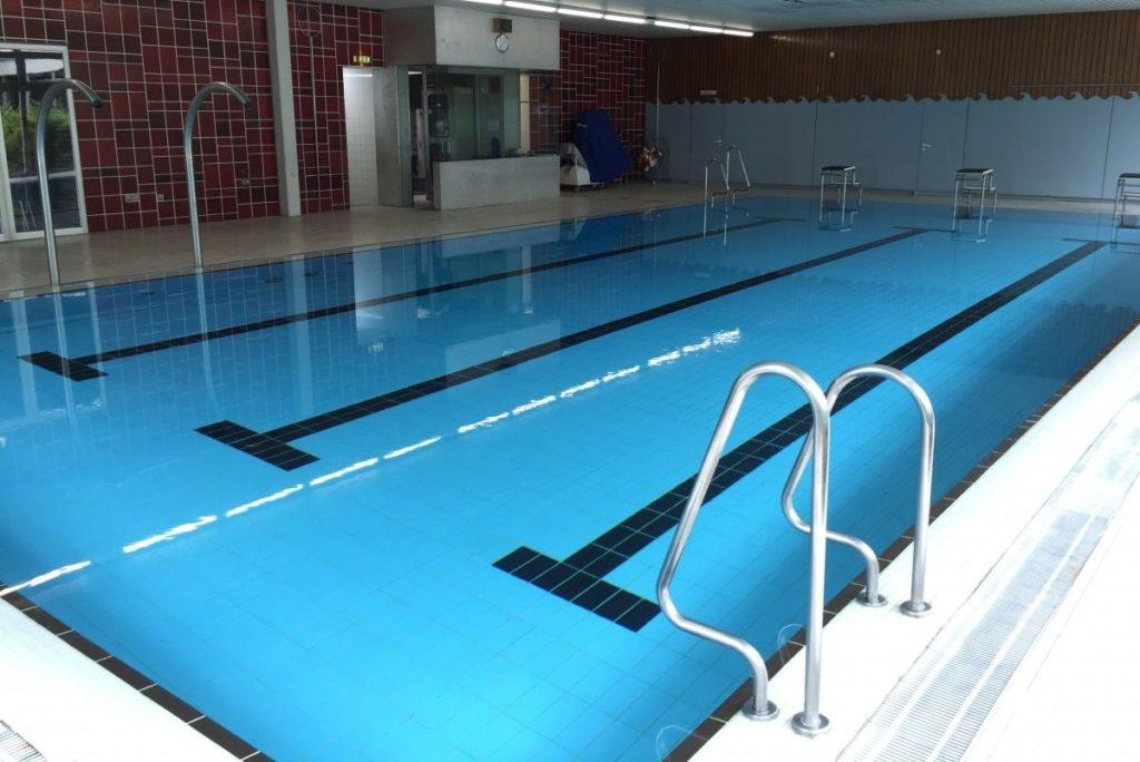 Fussball Trainingslager Frankfurt Schwimmbad