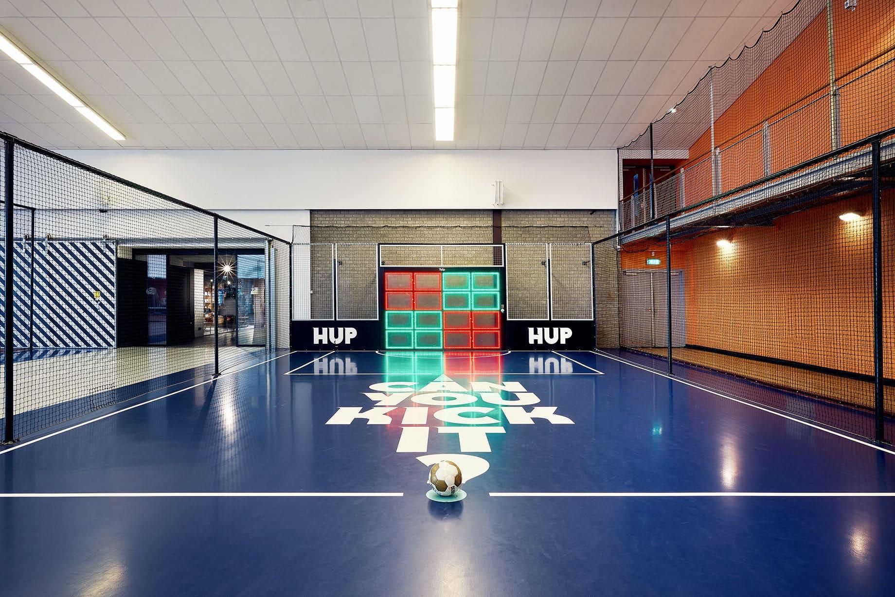 Einzigartige Indoor-Halle mit elektronischer Torwand
