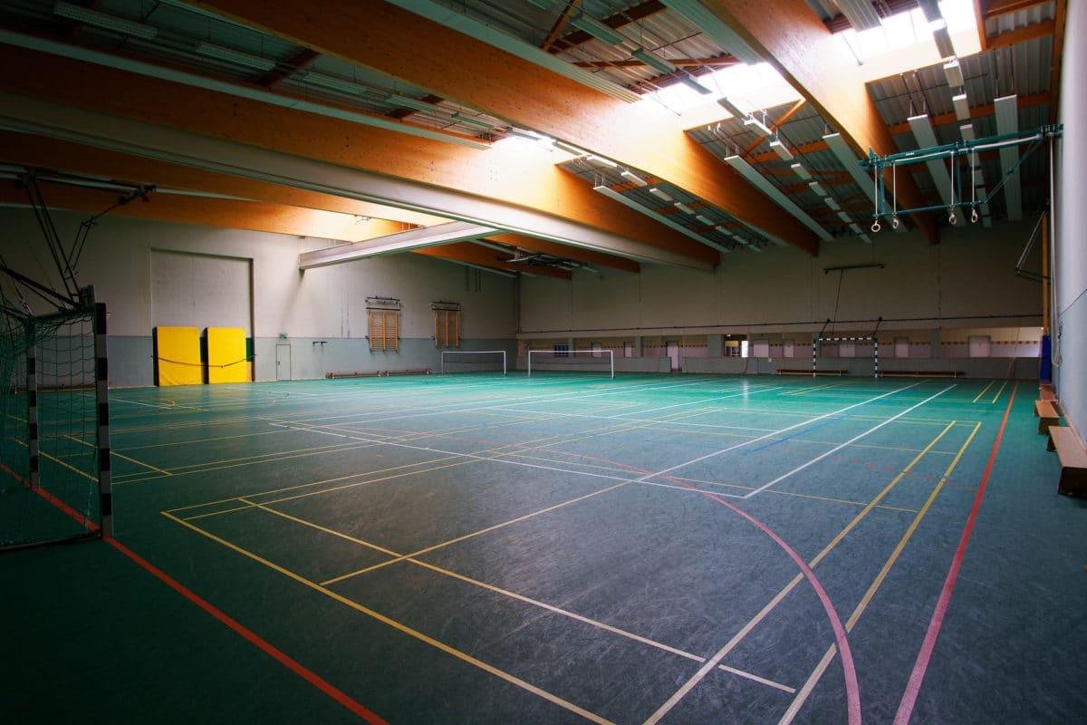Als Alternative zum Rasenplatz gibt es beim Trainingslager in der Südheide auch noch eine Halle