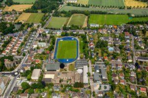 Sportzentrum mit vielen Rasenplätzen