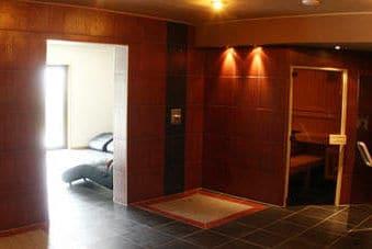 Wellnessbereich mit eigener Sauna im Trainingslager Sportschule Suedeifel