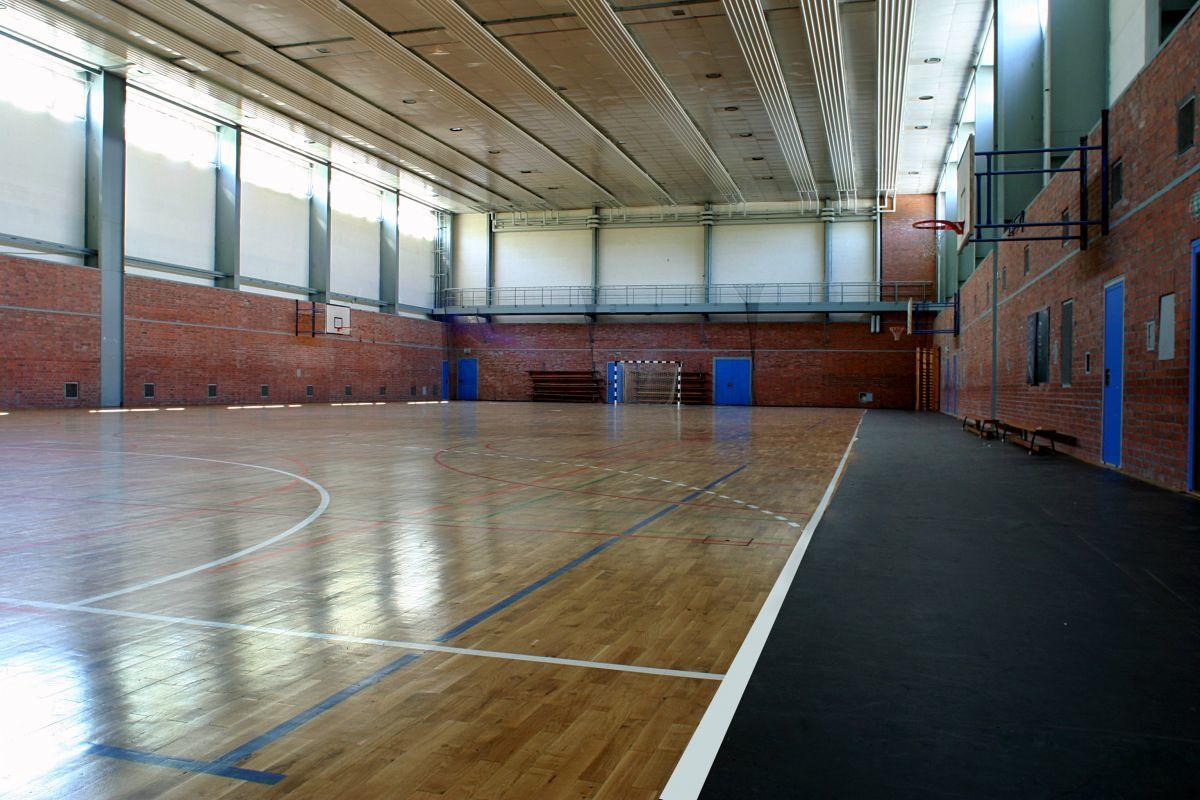 trainingslager_sportschule_usedom_sporthalle