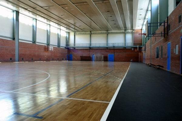 Als Abwechslung steht den Mannschaften eine Halle für weitere Freizeitaktivitäten zur Verfügung