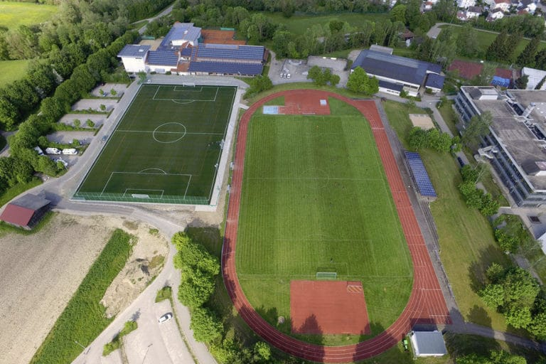 Moderner Sportplatz beim Fussball Trainingslager Allgaeu