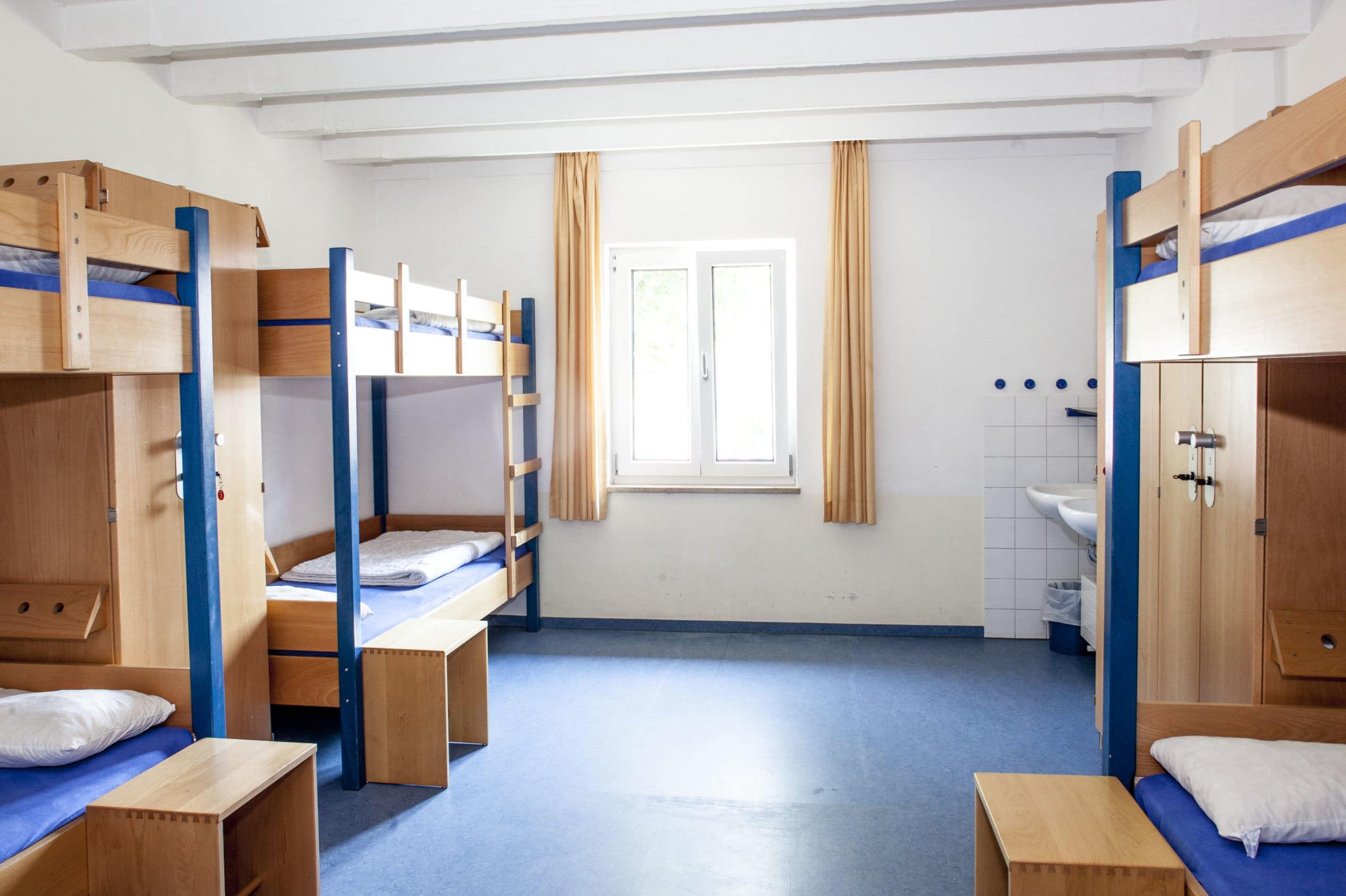 Modernen Mehrbettzimmer im Fussball Trainingslager Allgaeu