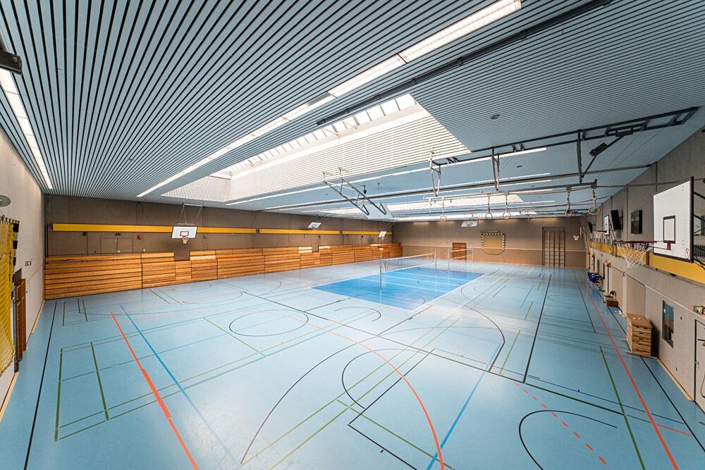 Für weitere Aktivitäten gibt es eine große Halle beim Trainingslager Ammerland