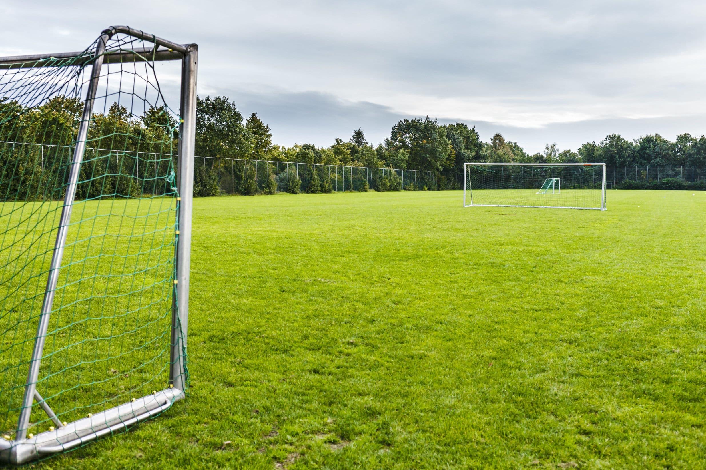 Rasentrainingsplatz Fussball Trainingslager an der Aller