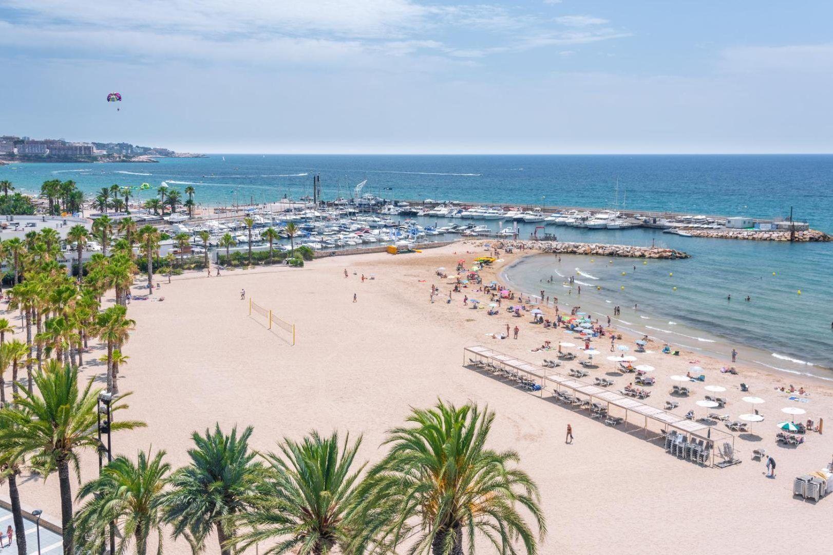 weitläufiger Strand auf Eurer Sportreise an der Costa Daurada