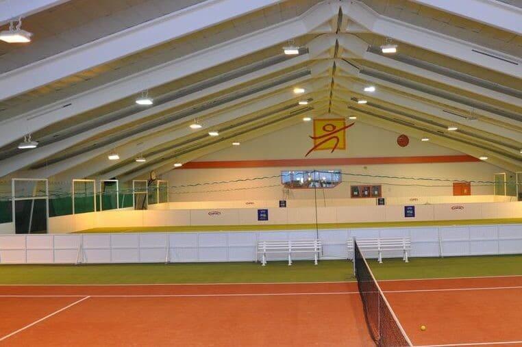 Indoorhalle Fussball Trainingslager Erlaufsee mit Tennisplatz und Soccercourts