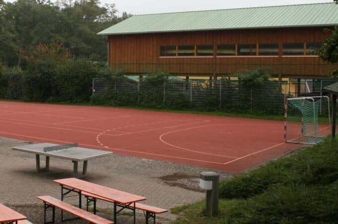 trainingslager_rheinufer_hartplatz