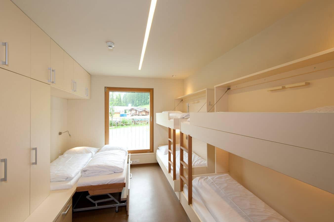 Übernachtung in ansprechenden Zimmern mit Bergpanorama