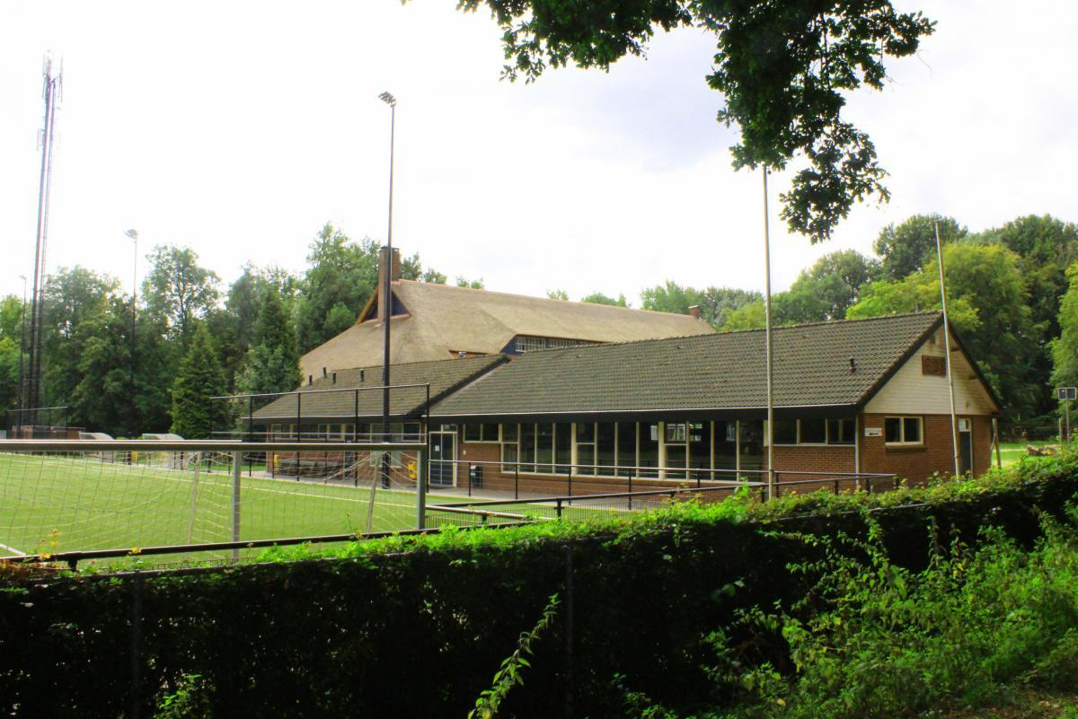 trainingslager_ellecom_fussballplatz