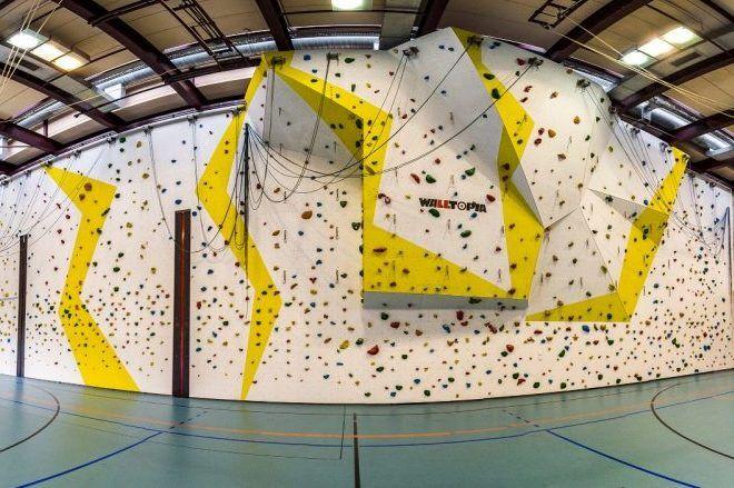 Indoor Kletterwand beim Fussball Trainingslager Lago Maggiore