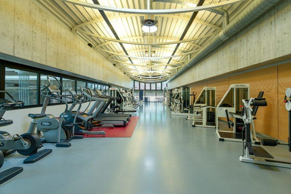 Top ausgestatteter Kraftraum im Fussball Trainingslager Lago Maggiore