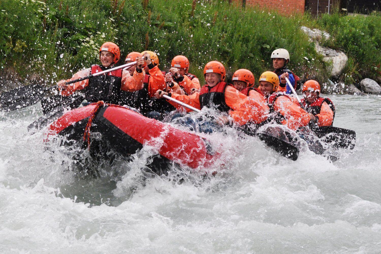 Rafting-Tour im Fussball Trainingslager Wallis