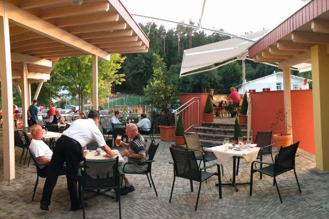 trainingslager_am_woerthersee_terrasse