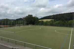 Kunstrasenspielfeld im Fussball Trainingslager Frankfurt