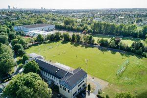 Einzigartige Sportanlage mit mehreren Naturrasenplätzen